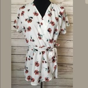 Like new Wrap top Blouse size L